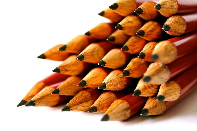 desk-pens-school-design-large